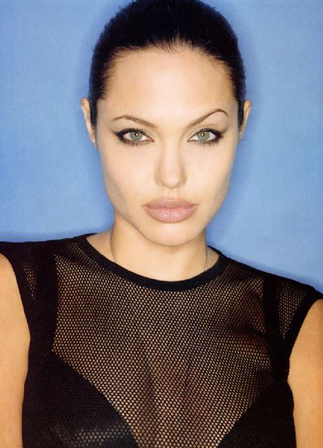 Jolie'nin şok pozları - 23